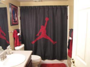 yard bathroom pics 016